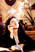 http://celebsmokers.altervista.org/albums/Dreyfus/Julia_Louis_Dreyfus_Seinfeld_The_Foundation_02.jpg