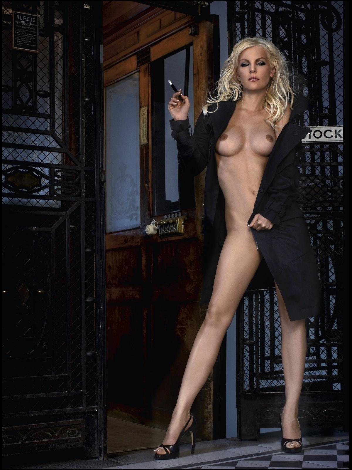 Фото сексуальные девушки с сигаретой 7 фотография